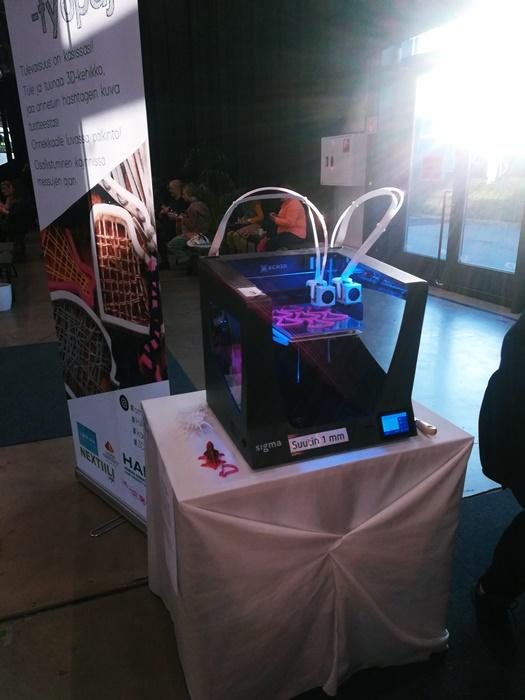 Käsityömessuilla 3D-työpajassa